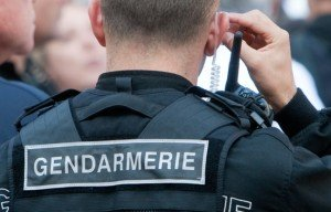 648x415_illustration-gendarme-gendarmerie